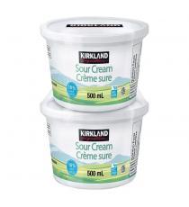 Kirkland Signature 18 % Sour Cream 2 × 500 ml